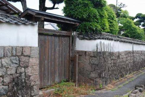 旧古町別当・中村家屋敷門