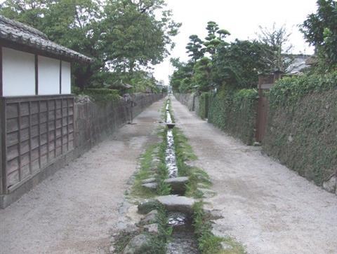 024+201208鉄砲町の水路(平成24年8月号)